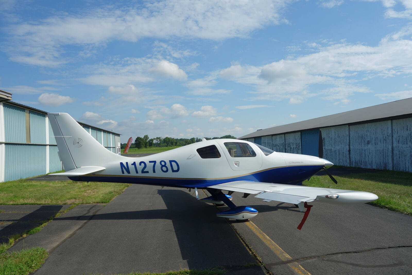 2006 Columbia 350 – FOR SALE at Princeton Airport - Contact Ken Nierenberg at 609-731-4628 for details