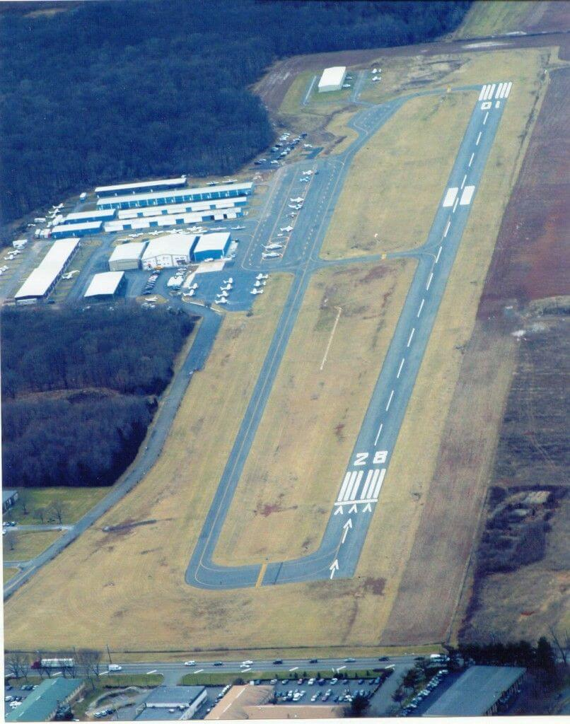 ATTENTION PILOTS – RUNWAY CLOSURE NOTICE