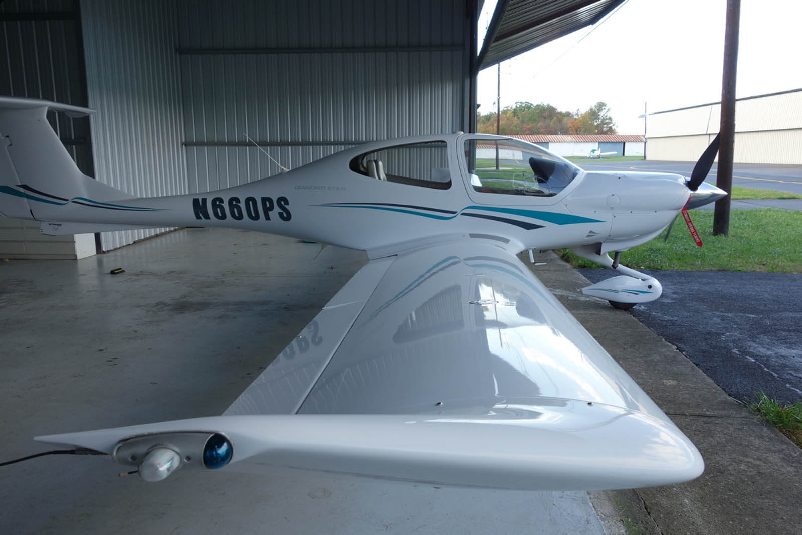 2006 Diamond DA40 – FOR SALE at Princeton Airport - Contact Ken Nierenberg at 609-731-4628
