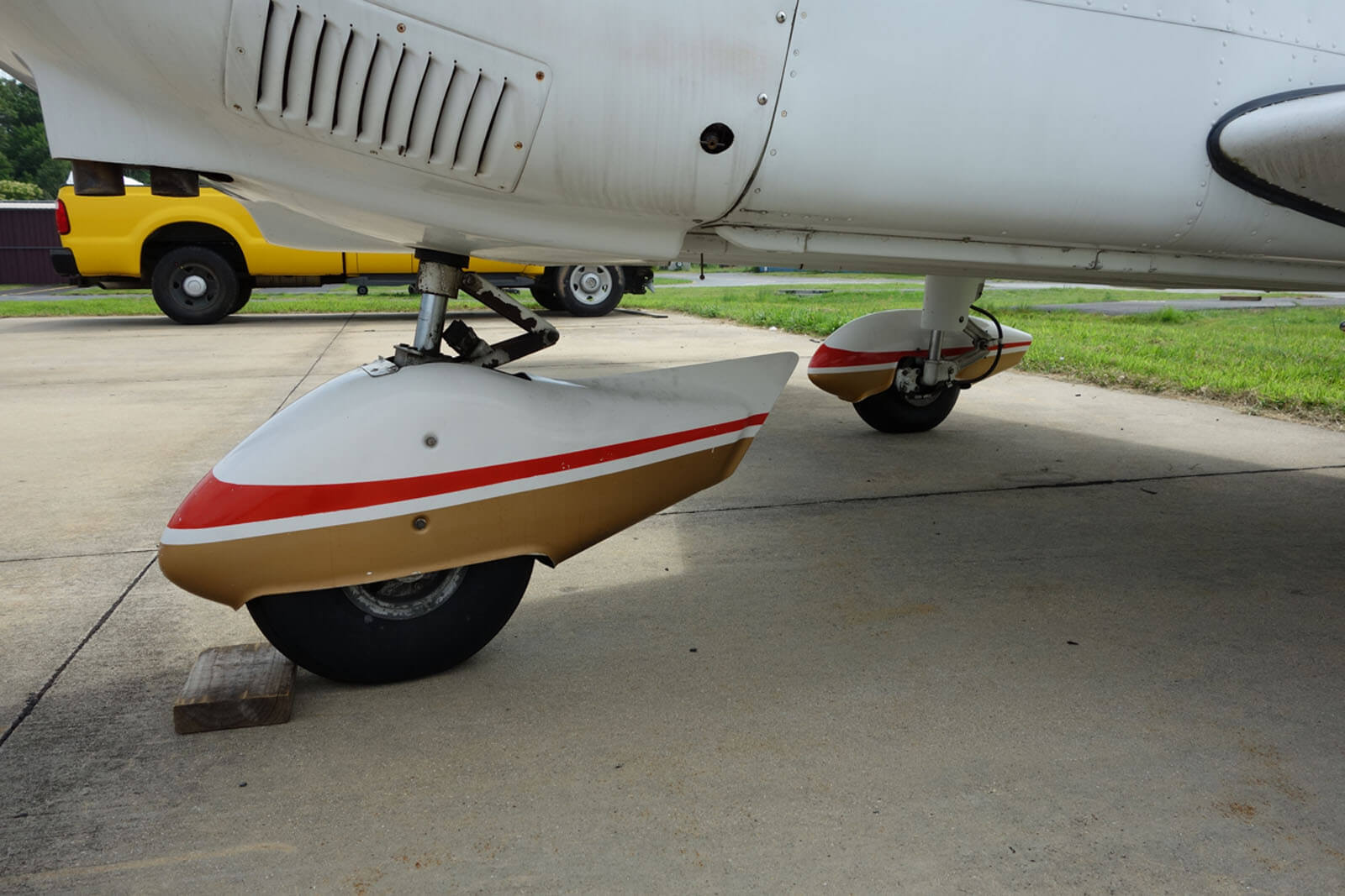 1976 Piper Archer – FOR SALE at Princeton Airport – Contact Ken Nierenberg at 609-731-4628 for details.